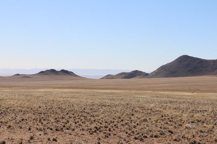 Kurz vor Aus - Ausblick vom Rastplatz an der B4 - Namibia