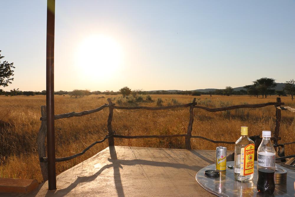 Terrasse der Standart Rooms im Okonjima Plain Camp