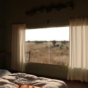 Ausblick aus dem Zimmer des Standart Rooms im Okonjima Plain Camp
