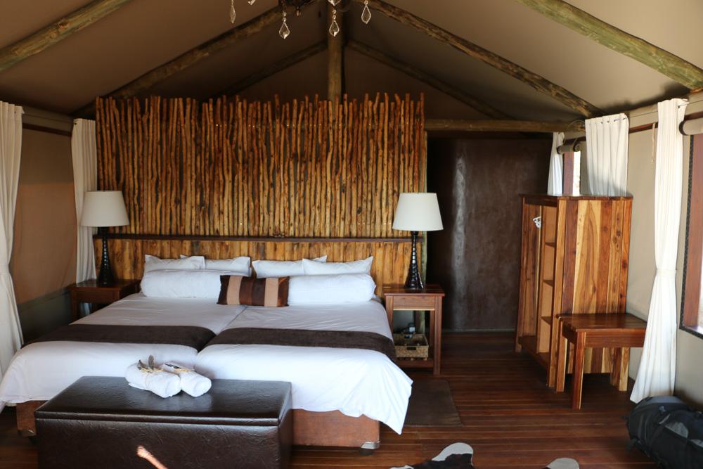 Liebevoll eingerichtetes Wohnzelt vom Windhoek Game Camp