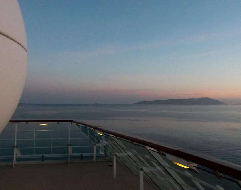 Abendliche Stimmung auf der Mein Schiff