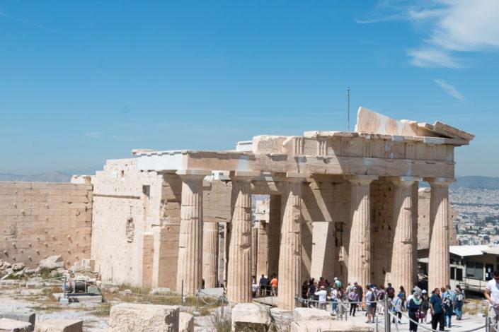 Propyläen Torbau von der Akropolis aus gesehen