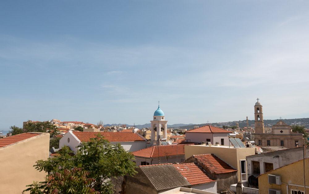 Blick von der Stadtmauer über die Dächer von Chania