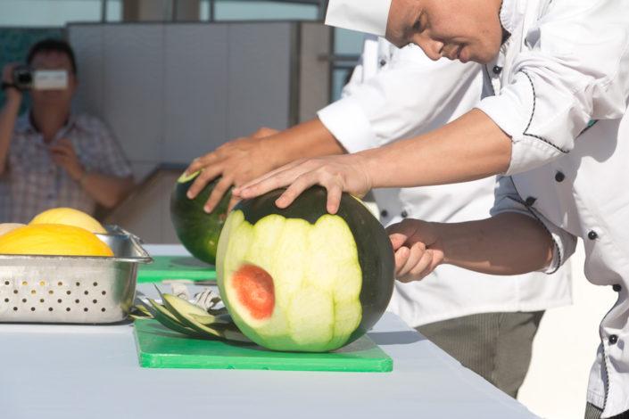Obst Schnitzerei