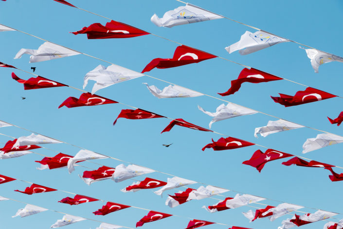 Türkei Flaggen im Wind