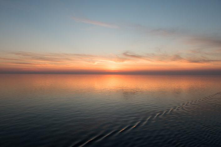 Die Sonne versinkt im Mittelmeer