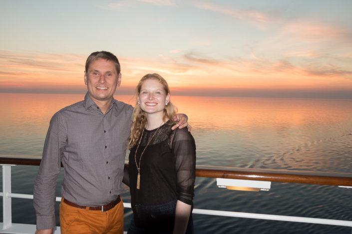 Einfach glücklich über den schönen Abend auf See