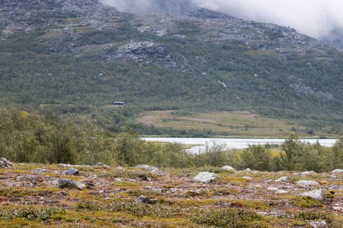 Hütten der Samensiedlung Rinim