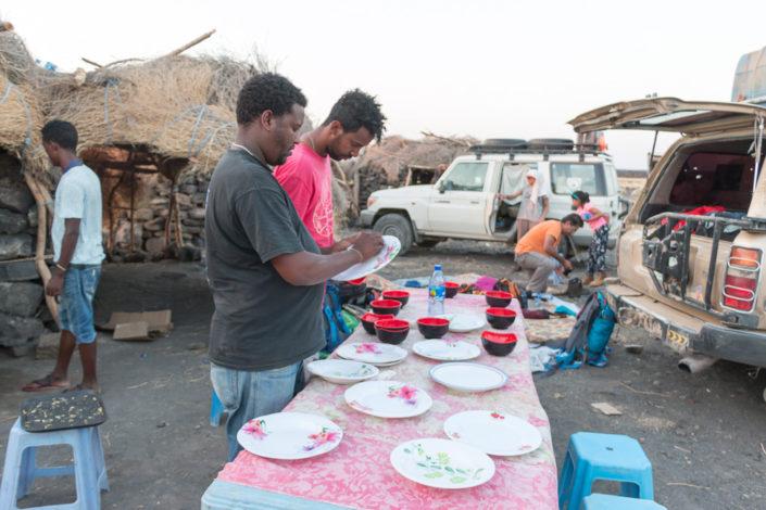 Abendessen im Basecamp des Erta Ale - kurz vor unserem Aufstieg