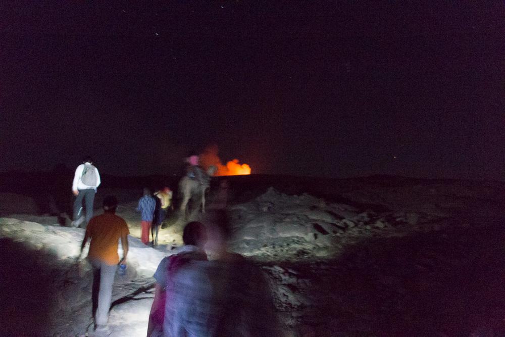 Nächtliche Wanderung zum Gipfel des Erta Ale