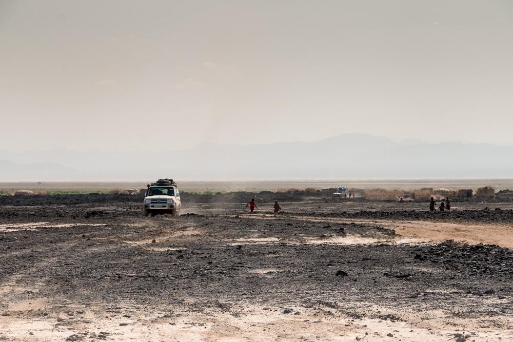 Offroad in der Danakil Afar Siedlung