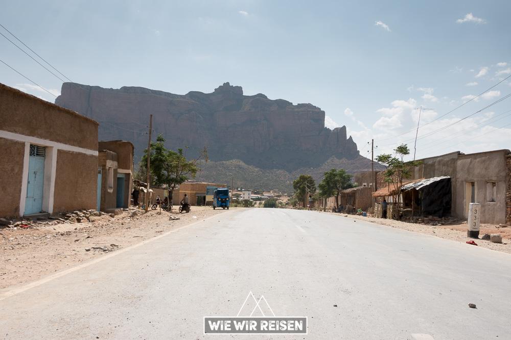 Hauptstraße von Megab
