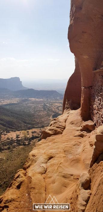 Weg zur Felsekirche Abuna Yemata - Immer am Abgrund entlang