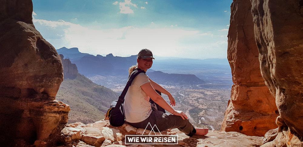 Dodo vor der Kulisse der Gheralta Berge