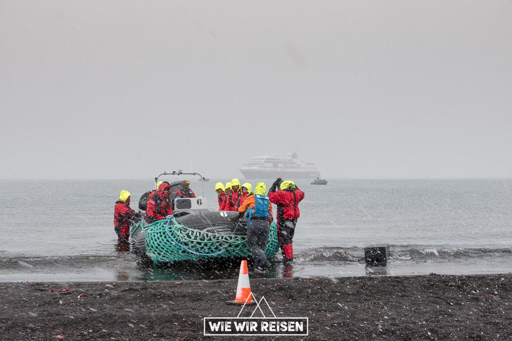 Anlandung auf Deception Island mit der MS Midnatsol von Hurtigruten