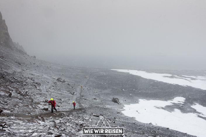 Aufstieg zu Neptuns Fenster auf Deception Island