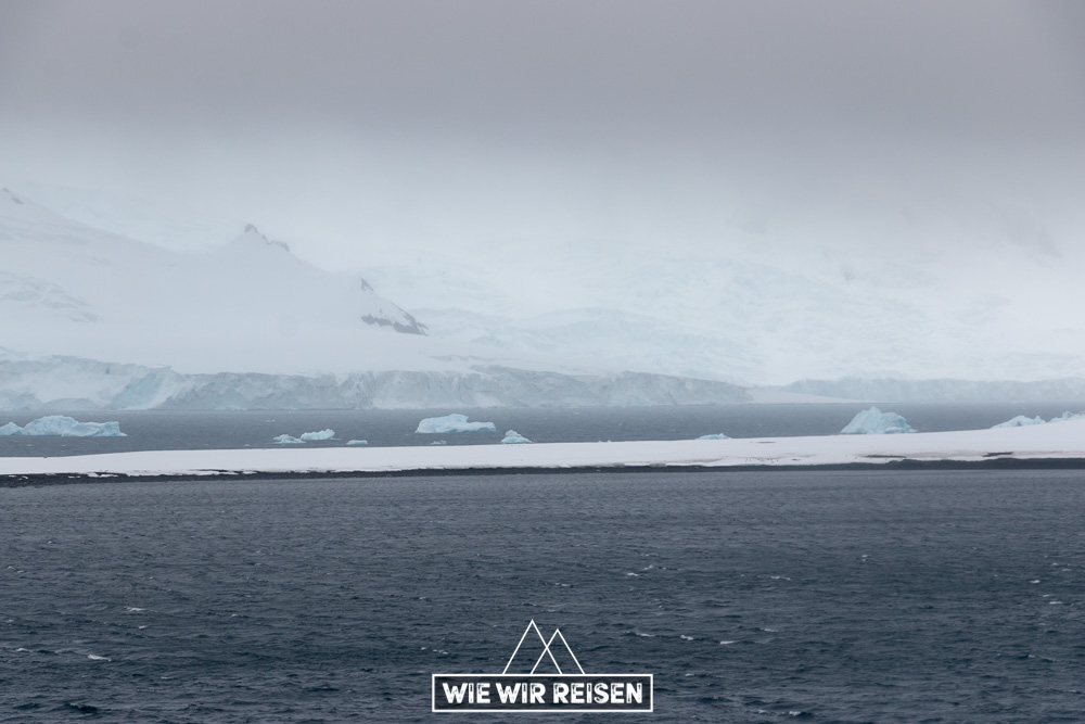Eisberge bei Halfmoon Island