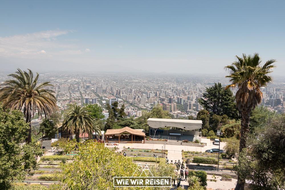 Blick vom Cerro San Christobal auf Santiago de Chile