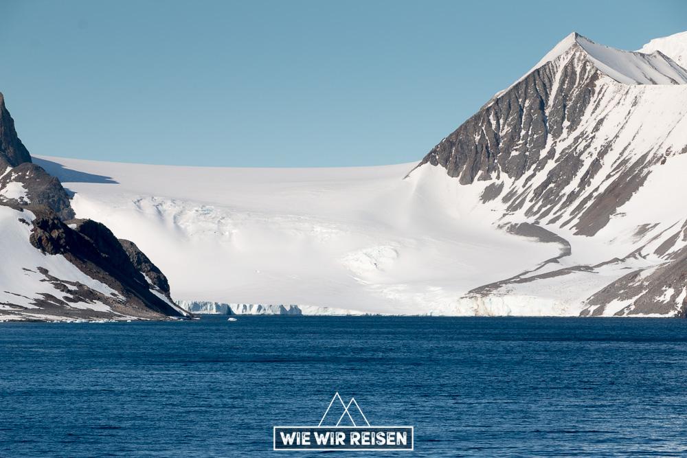 Gletscher mündet in die Hope Bay