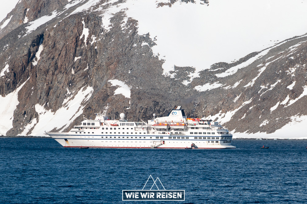 RCGS Resolute von OneOceans Expeditions in der Hope Bay