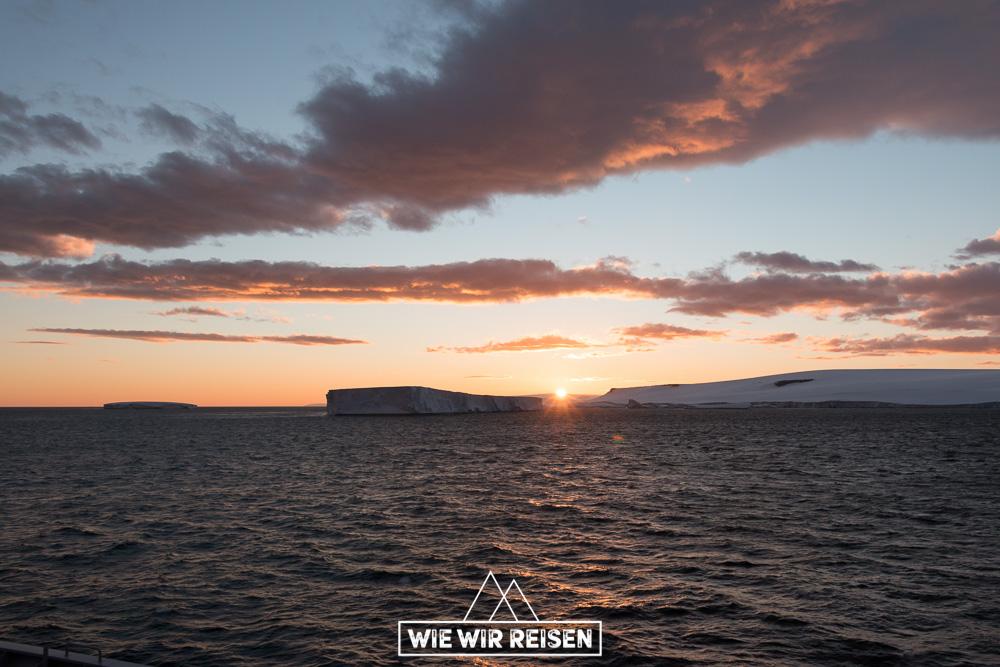 Sonnenuntergang in der Antarktis