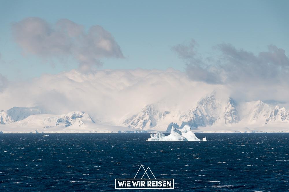 Eisberge in der Gerlaiche Strait