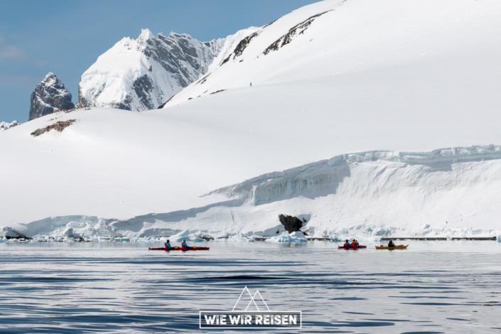 Kayaken in der Antarktis mit Hurtigruten