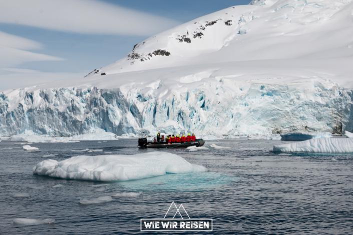 Mit der MS Midnatsol in der Antarktis cruisen bei Cuverville Island