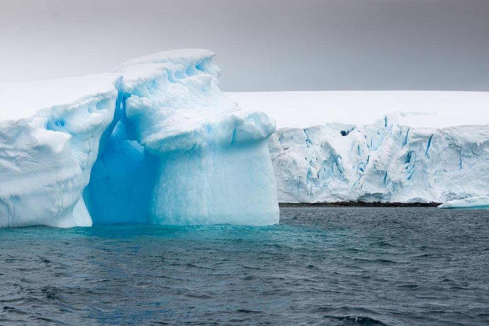 Schön gefornter Eisberg